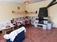 Kuchyně s krbem 1 apartmán - k pronajmutí Stříbřec