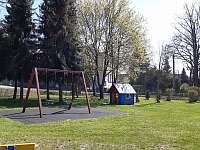 Dětské hřiště. - chalupa k pronájmu Staré Město pod Landštejnem