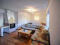 obývací pokoj - rekreační dům k pronájmu Třeboň