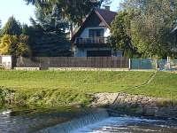 pohled přes řeku - chata ubytování Vodňany