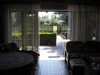 pohled z kuchyně - chata k pronájmu Vodňany