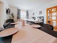 Pokoj s kuchyňkou