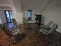 Společenská místnost (70m2) - chalupa ubytování Dobešice