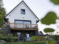 Lipno - studio - zahrada a posezení 1 - apartmán k pronajmutí
