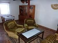 Společenská místnost - chata ubytování Dobročkov