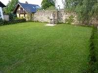 Zahrada - chata k pronájmu Dobročkov