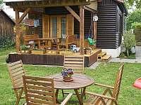 zahradní sezení s terasou - chata k pronajmutí Vodňany
