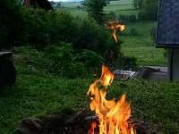 Lipno chata - u ohně