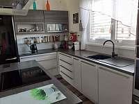 Kuchyň - pronájem rekreačního domu Kajov