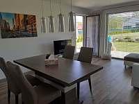 Obývací pokoj - pronájem rekreačního domu Kajov