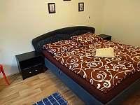 Malá ložnice vedle obývacího pokoje {nově} - Křída