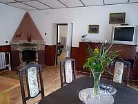 Obývací pokoj (nově) - pronájem chalupy Křída
