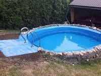 Bazén se schody