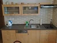Dolní apartmán kuchyň