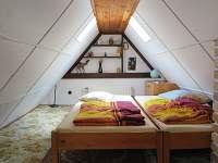 podkroví - pokojík - chata k pronájmu Děkanské Skaliny