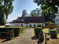 restaurace Galiana u zámku Jemčina