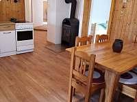 obytná kuchyně apartmentu 2 - chalupa k pronájmu Olešnice u Trhových Svinů