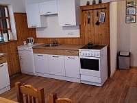 obytná kuchyně apatmentu 2 - chalupa ubytování Olešnice u Trhových Svinů