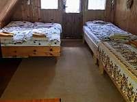 ložnice - chata k pronajmutí Holubov