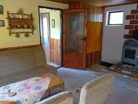 obývací pokoj - pronájem chaty Holubov