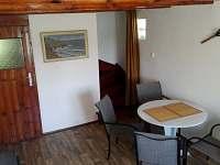 obývací pokoj - pronájem chalupy Roudná