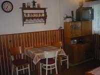 obývák - chata k pronajmutí Brandlín