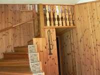 schodiště do patra - rekreační dům ubytování Přední Zborovice