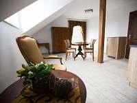 apartmán č. 5 - obývací část - Jistec
