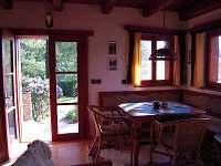 jídelní kout - chata k pronájmu Cetoraz u Pacova