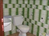 sociální zařízení zelený pokoj