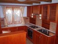přízemí - kuchyň + obývací pokoj