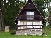 chata od rybníka