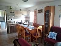 Kuchyňka ve společenské místnosti - chata k pronajmutí Nová Včelnice
