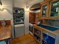Kuchyň - chalupa k pronajmutí Sumrakov