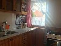 Kuchyň - chata k pronájmu Dehtáře