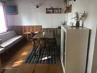 Obývací pokoj - chata ubytování Dehtáře