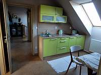 Kuchyň apartmá 1 - chalupa ubytování Sedlo u Číměře