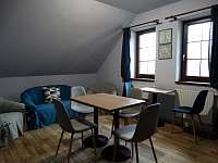 Kuchyňka s posezením v apartmá 2 - Sedlo u Číměře