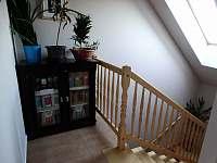 Výstup do podkroví apartmá 1,2 - chalupa ubytování Sedlo u Číměře