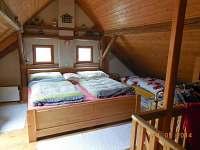 Ložnice 1 v podkroví - chalupa ubytování Staré Hobzí