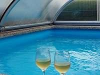 krytý bazén - chalupa k pronajmutí Kondrač