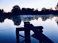 Malebný to rybníček za panstvím, není-liž pravda? - chalupa k pronajmutí Stará Vožice