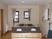 Dvoulůžkový apartmán v 1.patře - vila k pronájmu Horní Planá