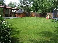 Zahrada - vila ubytování Horní Planá