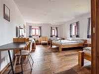 5-ti lůžkový pokoj