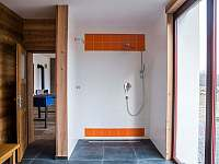 Sprcha v sauně