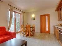 obývací pokoj a kuchyň 971 Promenáda - apartmán k pronájmu Lipno nad Vltavou