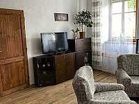 obývací pokoj - apartmán k pronajmutí Heřmaň