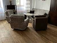 obývací pokoj - apartmán k pronájmu Heřmaň