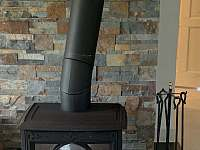krbovky v obývací místnosti - Nahořany